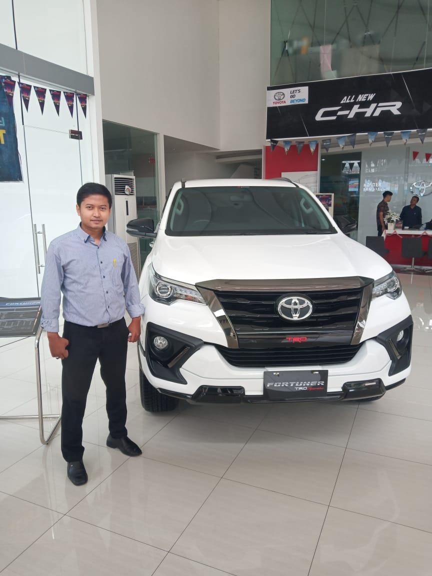 Sales Mobil Sales Toyota Tangerang