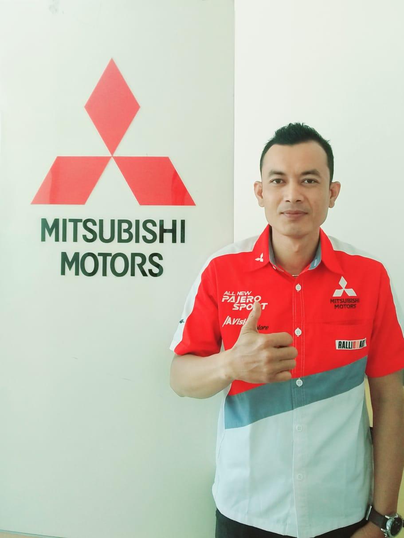 Sales Mobil  Mitsubishi Padang