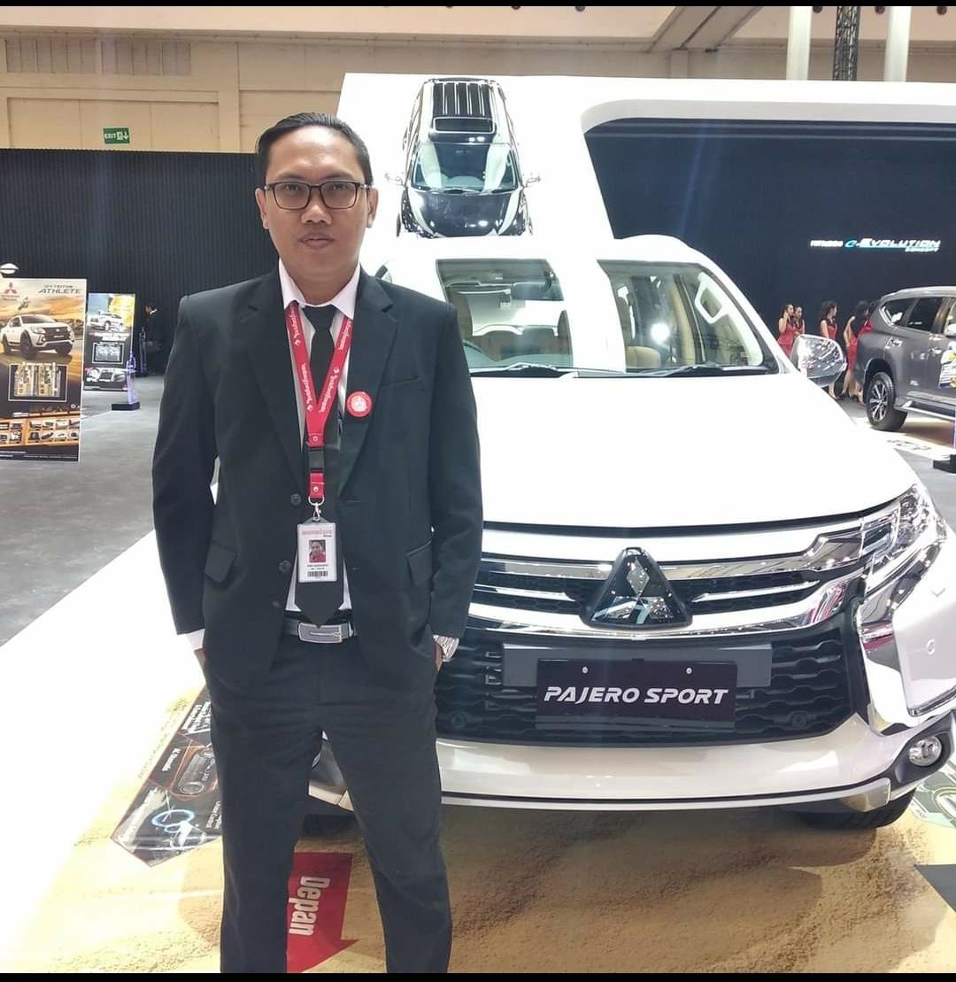Sales Mobil  Mitsubishi Depok