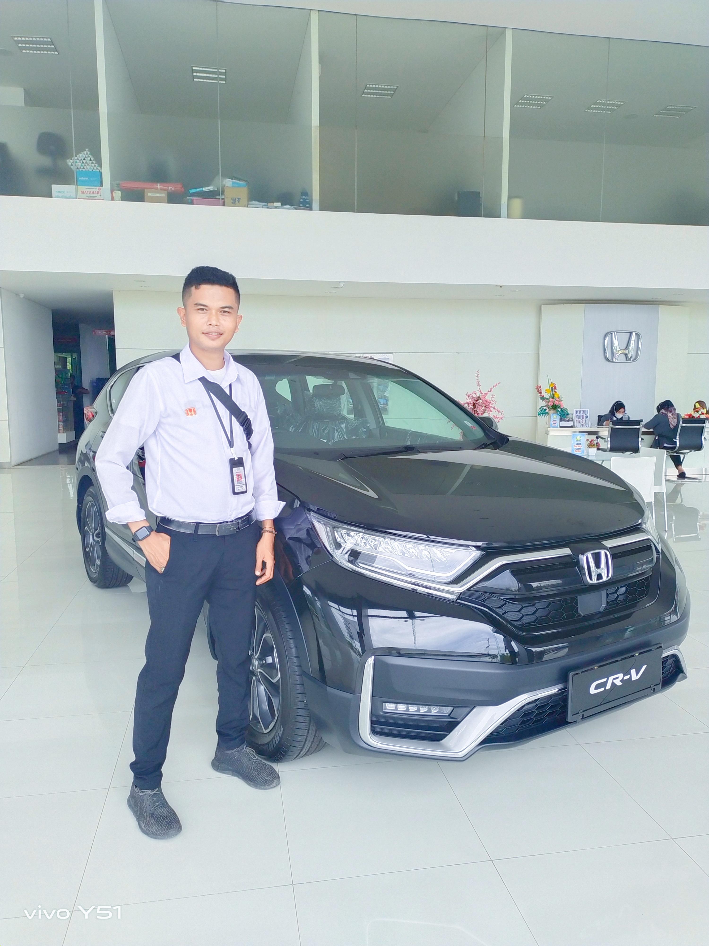 Sales Mobil  Honda Padang