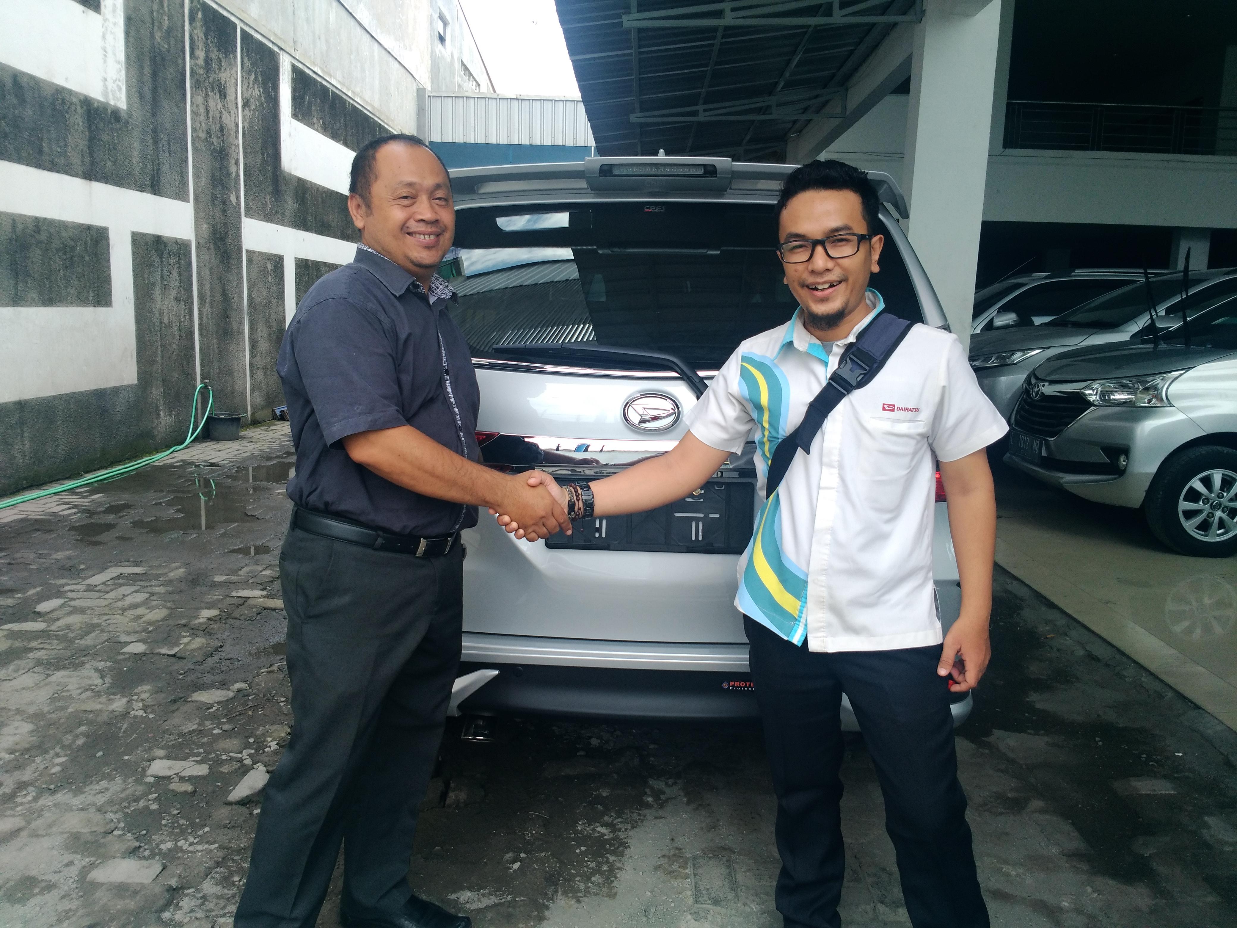 Sales Mobil  Daihatsu Rembang