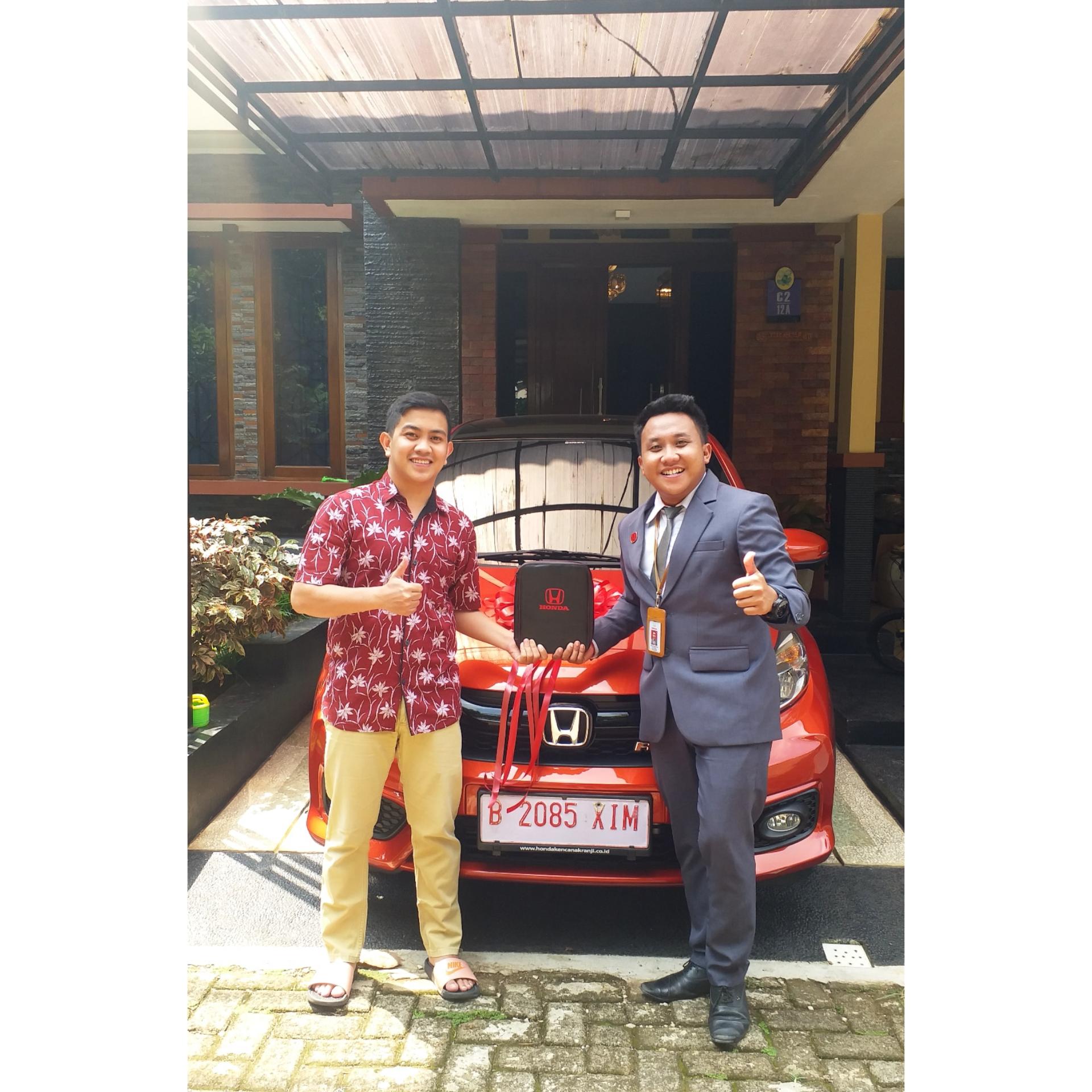 Sales Mobil  Honda Bekasi