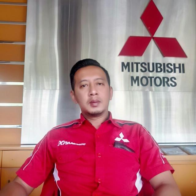 Sales Mobil  Mitsubishi Gresik