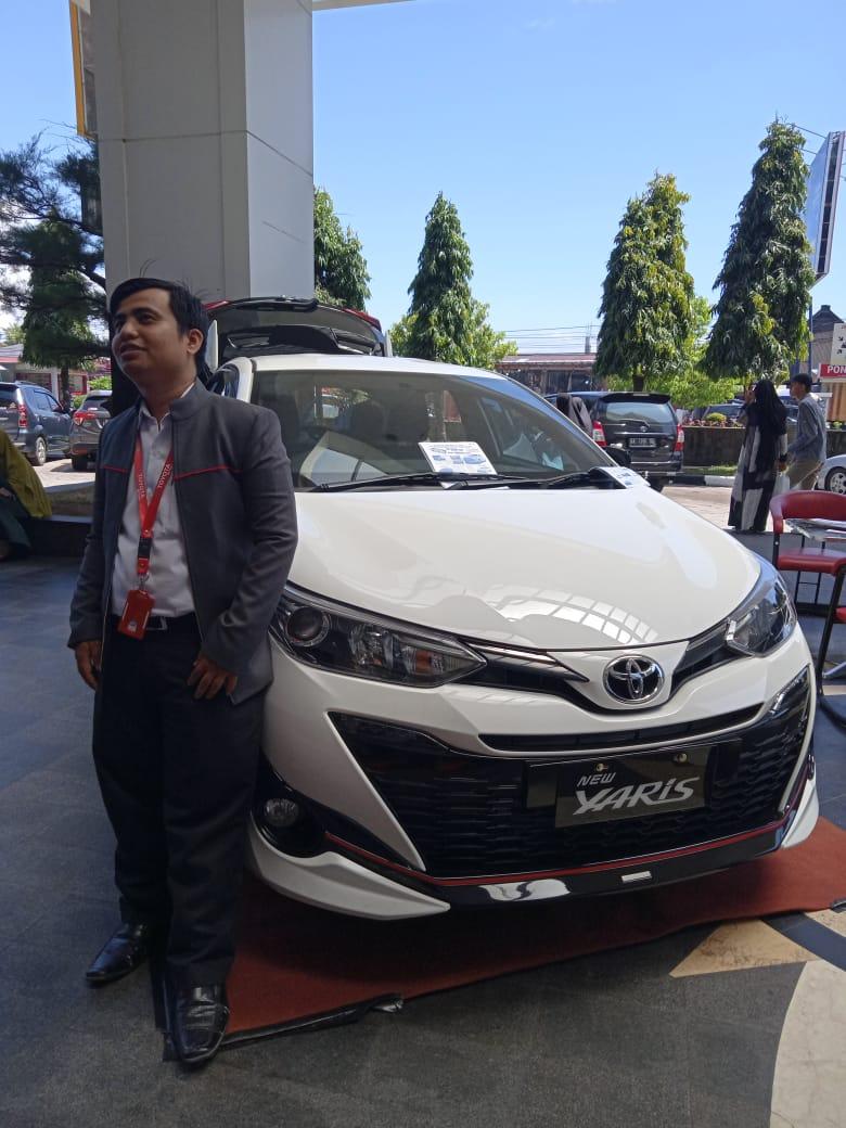 Sales Mobil Sales Toyota Padang