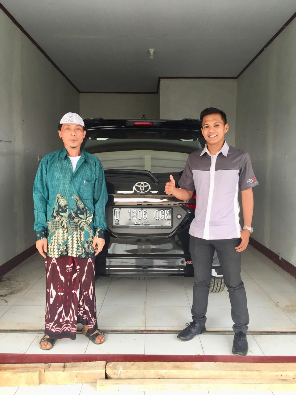 Sales Mobil  Toyota Subang