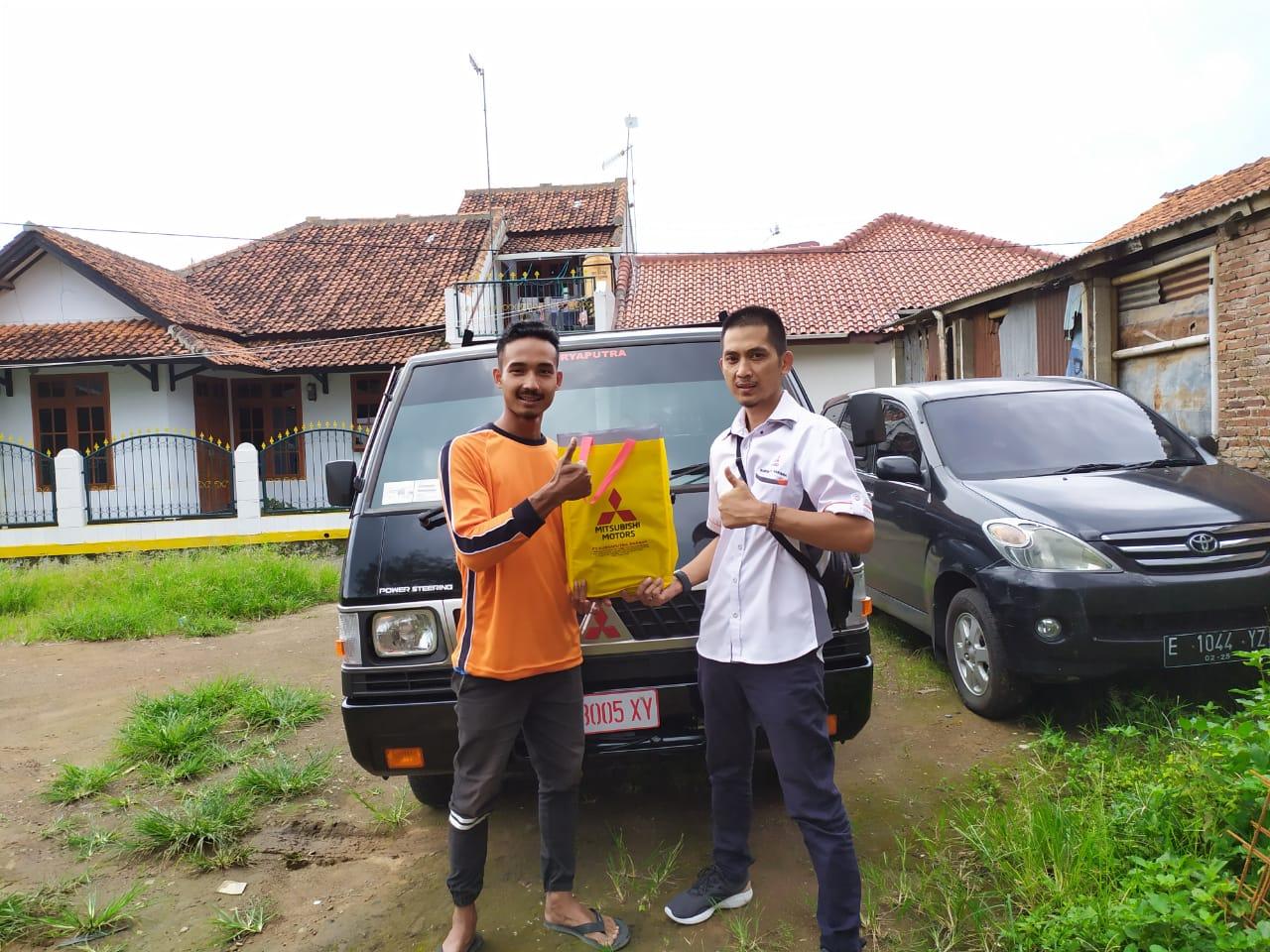 Sales Mobil  Mitsubishi Sumedang