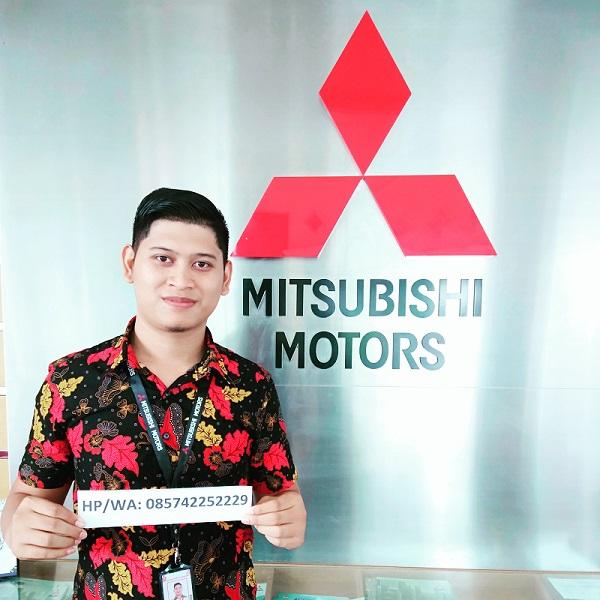 Sales Mobil  Mitsubishi Tegal