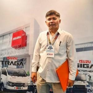 Sales isuzu Surabaya