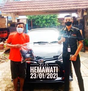 Serah terima unit an Elis Hemawati Kredit Toyota Bekasi